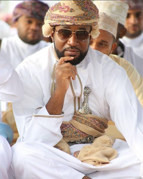 hassan_joho_dressed_as_sultan.JPG